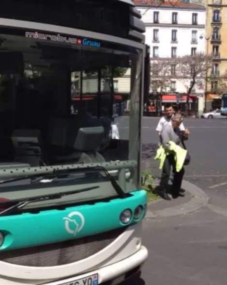 Place gambetta : sunny day in paris - walking through paris